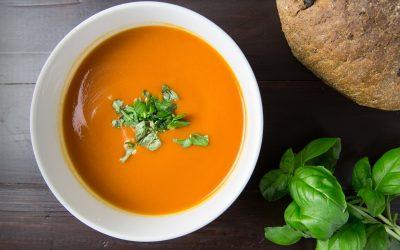 Dicas para uma sopa nutritiva, cremosa, cheia de sabor (e sem precisar de batata!)